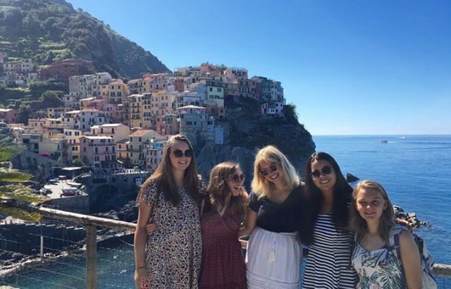 Ella+Murray+%28second+from+left%29+with+friends+at+Cinque+Terre.