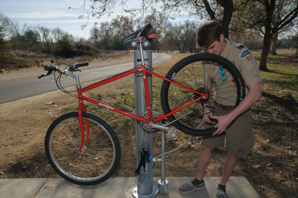 Scout Builds Bike Repair Station